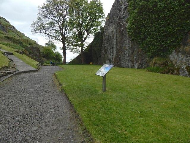 Dumbarton Castle: level space between the peaks