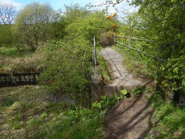 Footbridge over the Murroch Burn