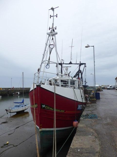 Emma Kathleen (ME87) moored at low tide in Gourdon Harbour