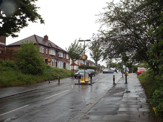 Lord Avenue, Clayhall