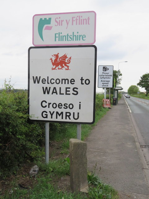 Welcome to WALES - Croeso i GYMRU on the A548