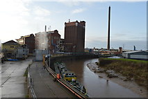 TA1031 : River Hull and Isis Oil Mills by N Chadwick