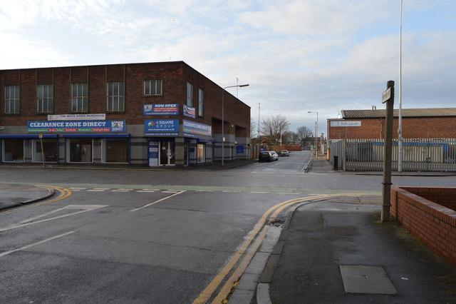 Spyvee St, New Cleveland St junction