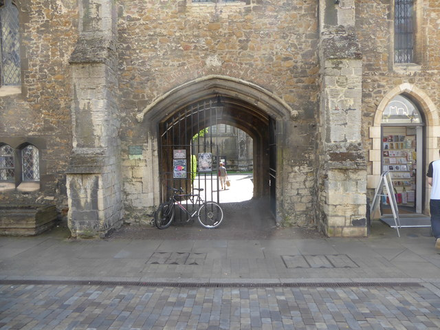 Gateway to the Cathedral Close from the High Street