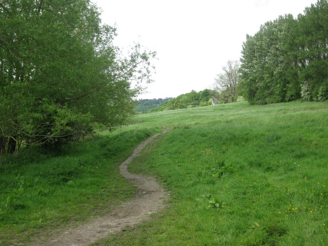 Bridleway to Coombs Road and Bakewell