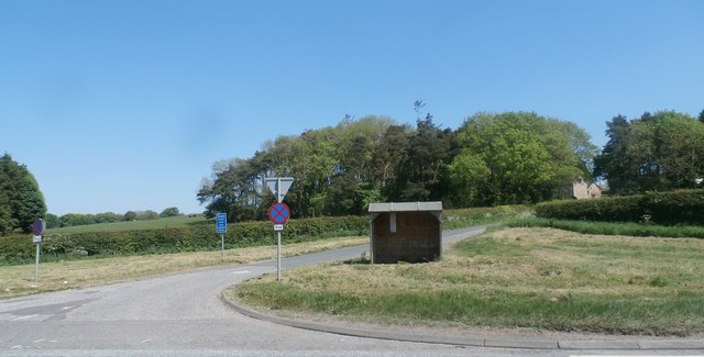 Bus Shelter at Helm