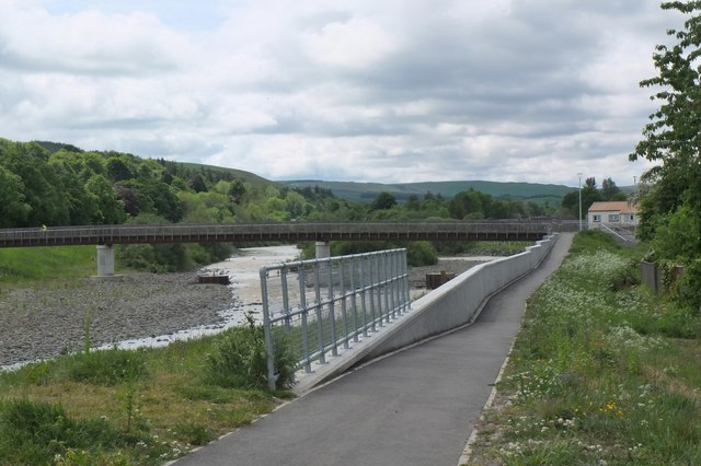 Flood protection wall and footbridge, Selkirk