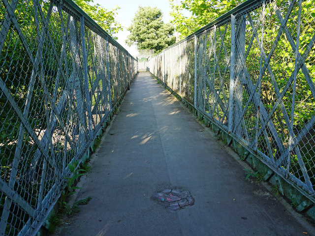 Footbridge over King George Avenue and London Underground Central Line