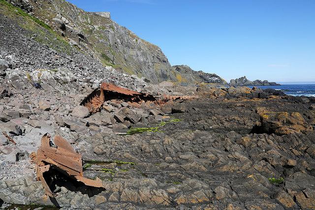 Boat wreck remains below Brander Heugh