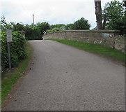 ST9897 : Kemble Overbridge, Kemble by Jaggery