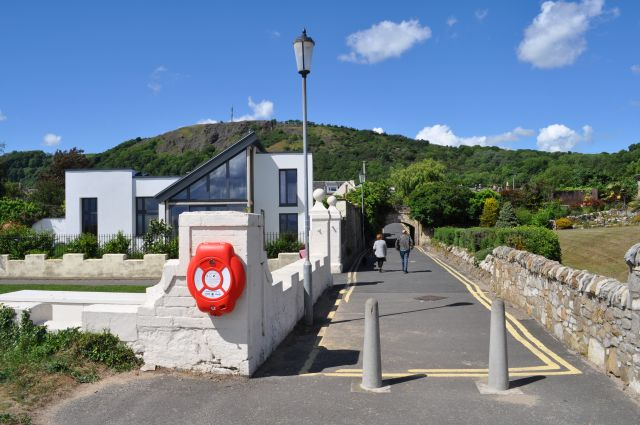 Lochies Road
