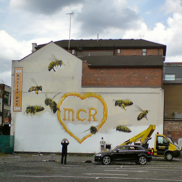New mural on Oldham Street: Under construction