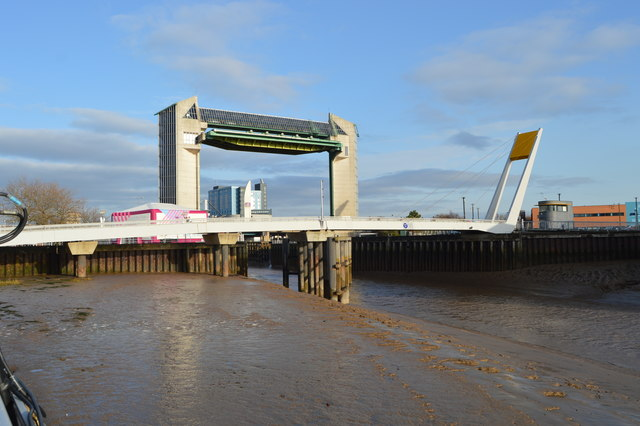 Footbridge and Tidal Barrier