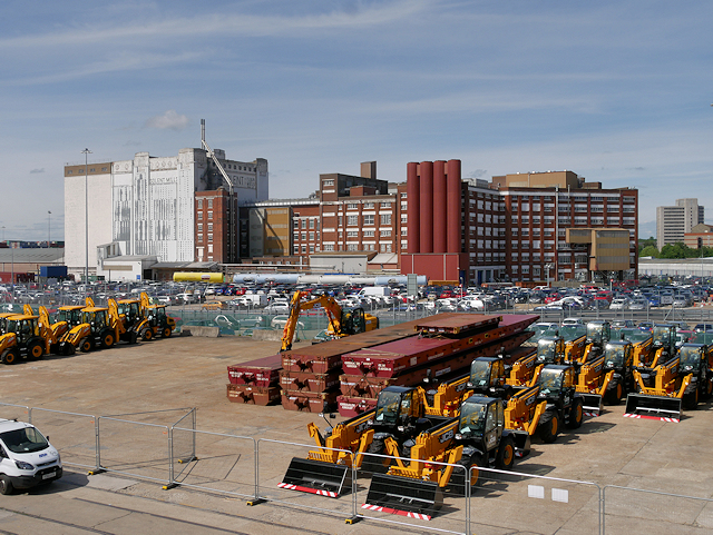 Southampton Western Docks, Quayside and Solent Mills