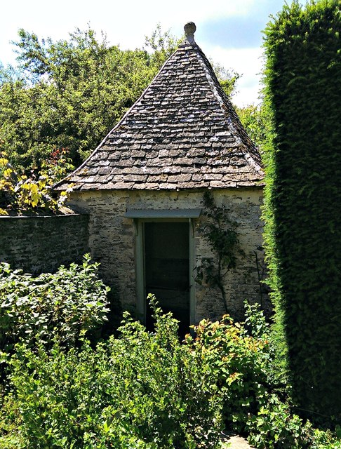 Outdoor privy, Kelmscott Manor, Oxfordshire