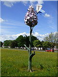 NZ2624 : Orchid sculpture at Newton Aycliffe by Thomas Nugent