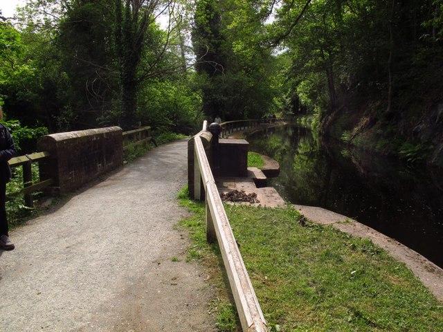 Canal sluice west of Pentrefelin
