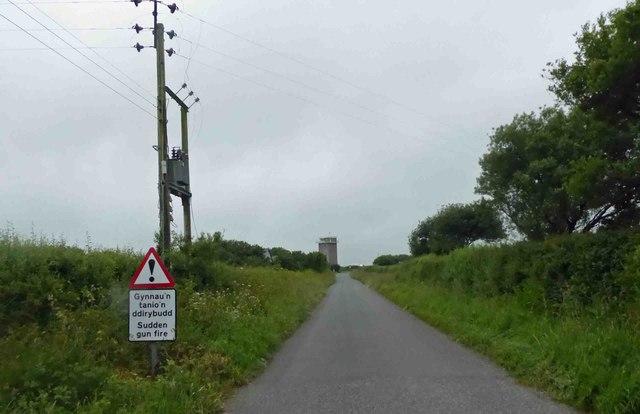 Unusual 'sudden gun fire' road sign