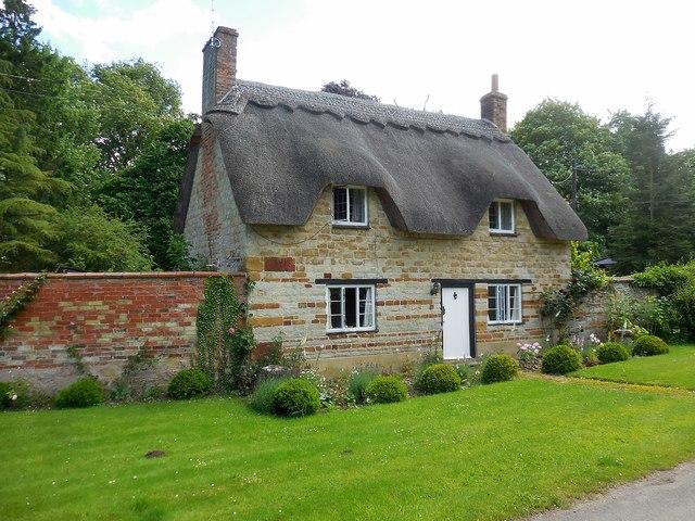 Honington Thatched Cottage