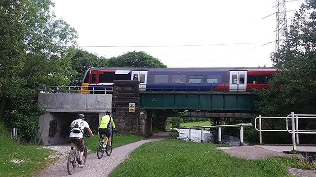 Railway bridge at Thackley