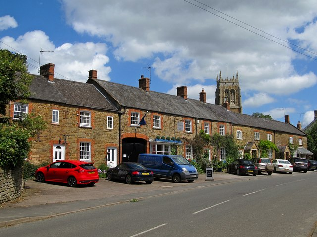 Lower Brailes High Street
