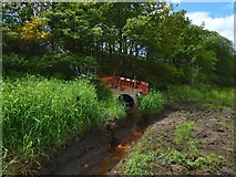 NS3977 : Drainage channel beside the A82 by Lairich Rig