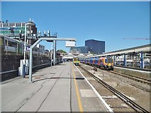 SU6400 : Portsmouth, Platforms 3&4 by Mike Faherty