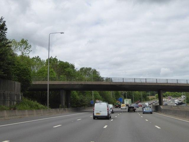Solesbridge Lane bridge over M25