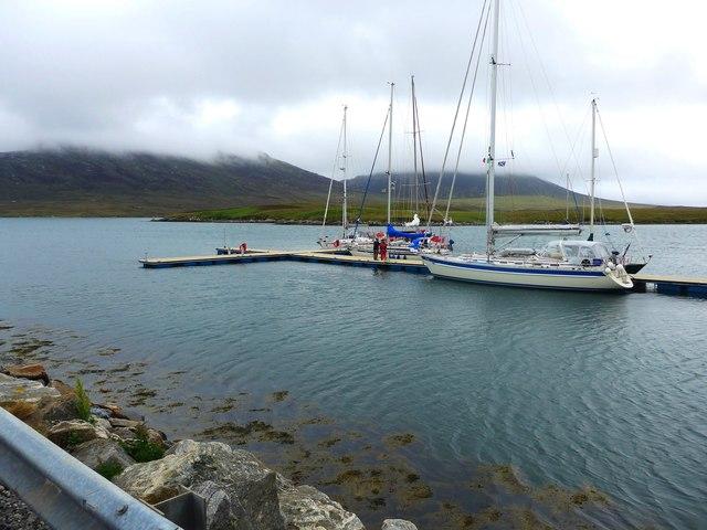 New pontoons at Lochmaddy