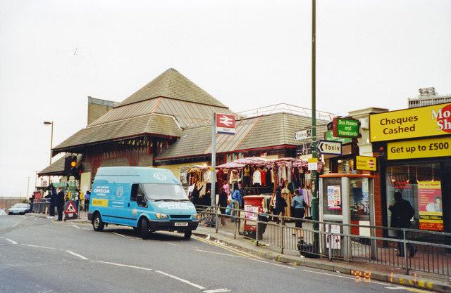 Main entrance to Ilford station, 2002