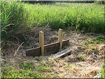 TG3204 : Sluice on minor drainage ditch by Evelyn Simak