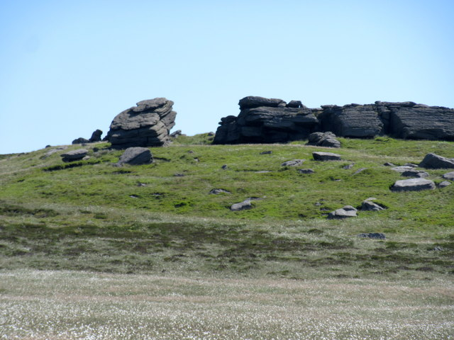 Dove Stones, Northern end