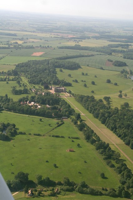 Grimsthorpe Castle and Avenue: aerial 2017