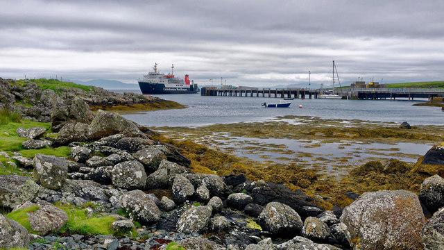 CalMac's MV Hebridean Isles arriving at Scalasaig, Colonsay