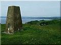 NS0952 : Suidhe Bhlain [St Blane's Hill] Trig Point by Raibeart MacAoidh