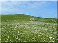 HU3630 : Hut on a Hillside by Des Blenkinsopp