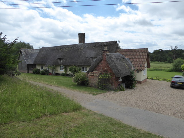 Thatched cottage in Parsonage Lane
