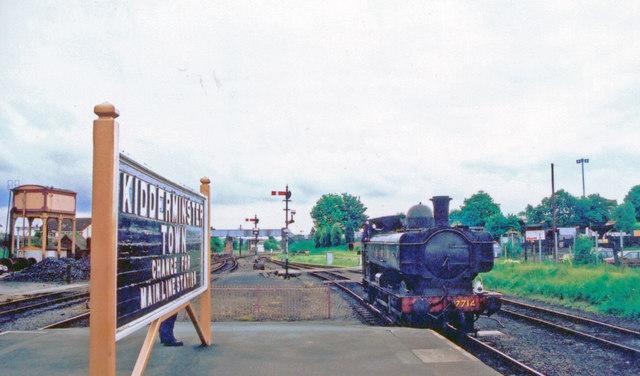 Kidderminster Town,  terminus of Severn Valley Railway, 2001