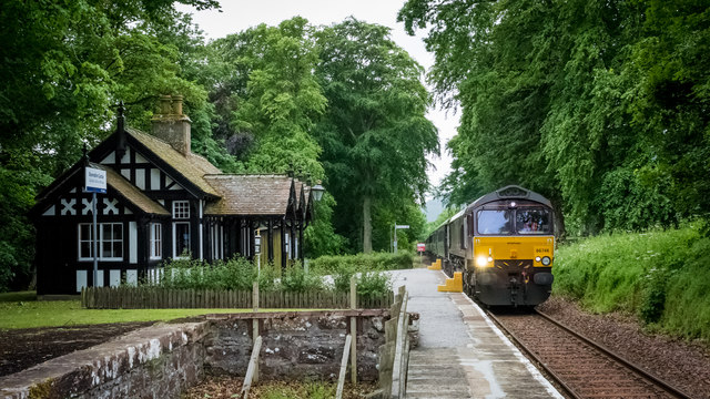Royal Scotsman passing Dunrobin Castle Station