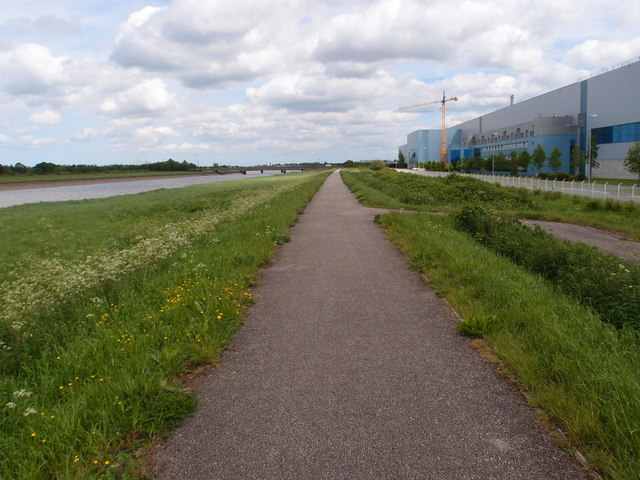 Cycle path alongside Palm Paper mill