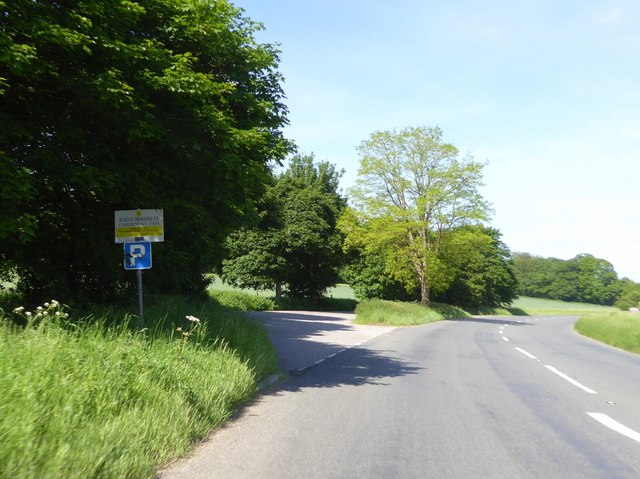 Lay-by by A4 west of Harrow Farm