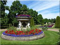TQ2882 : Formal gardens in Regent's Park by Richard Humphrey