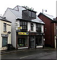 SO2800 : Golden Star in Pontypool town centre by Jaggery
