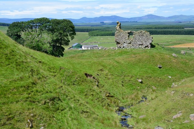 Hirendean Castle from the burn