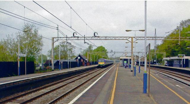 King's Langley station, 2004
