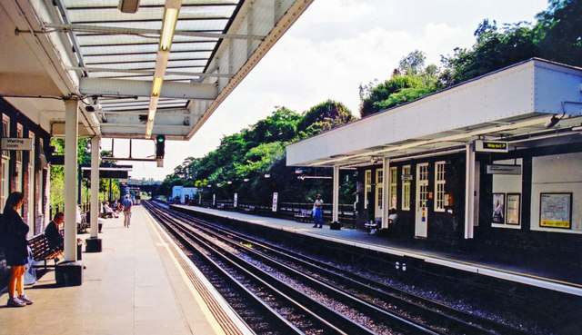 Kingsbury station, London Underground 2000