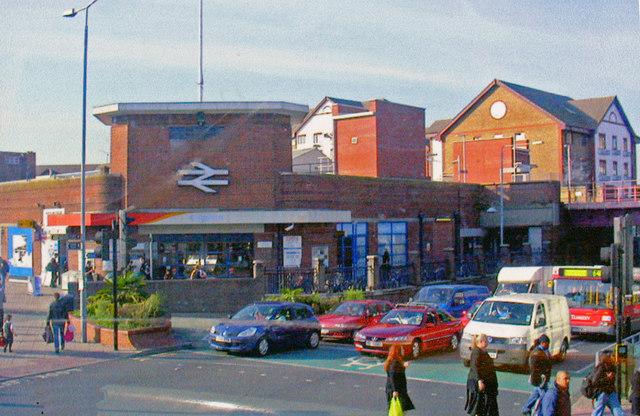 Kingston-on-Thames station, entrance 2008