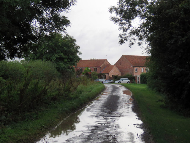 Wysall Road passes Hill Farm