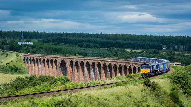 South bound freight leaving the Nairn/Culloden Viaduct
