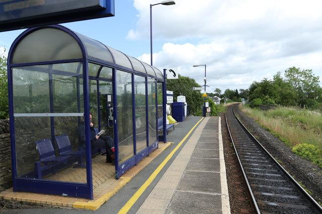 Platform shelter at Staveley
